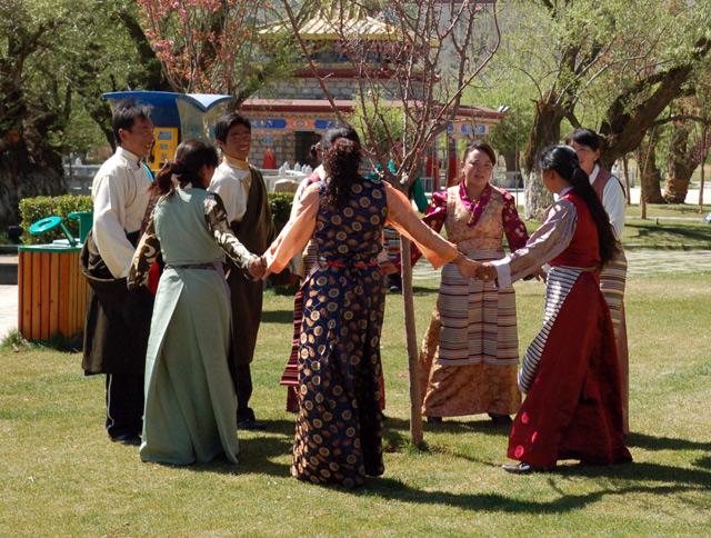 Тибетцы тешатся