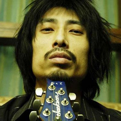 XTX - Xie Tianxiao - Се Тяньсяо. Китайский рок-исполнитель.
