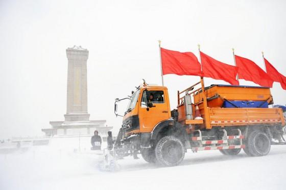 Север Китая заваливает снегом