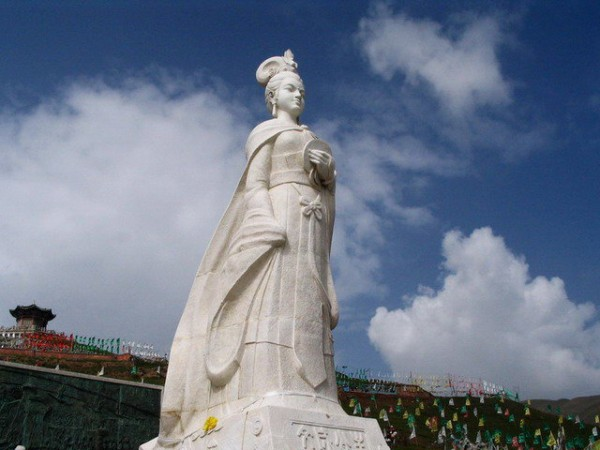 памятник принцессе Вэнь Чэнь на Му Юэ Шань