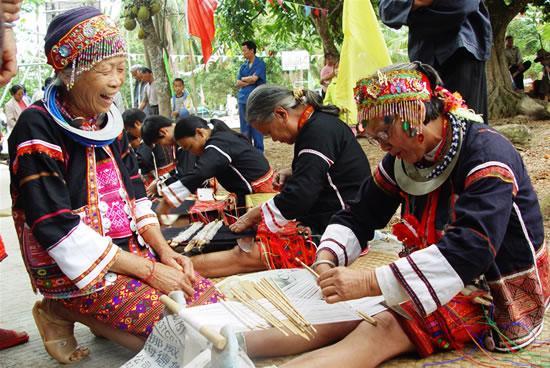 黎族棉布 / Традиционное ткацкое мастерство народности Ли