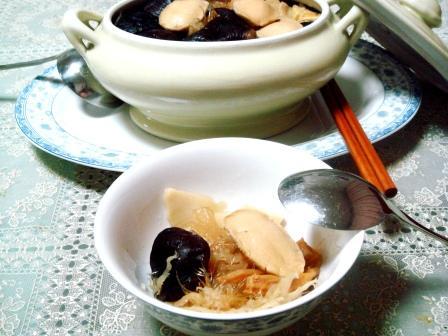 костный мозг феникса и печень дракона / Суп из детей в Китае