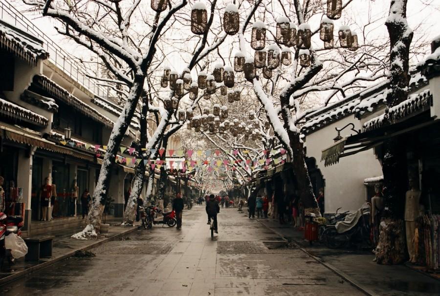 Снежный Ханчжоу: Шелковая улица / Магазета