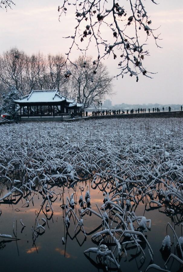 Снежный Ханчжоу: Заря на Сиху  / Магазета