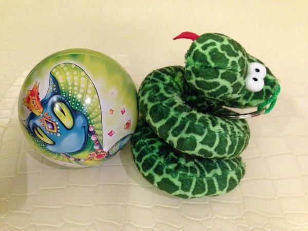 Храни меня, моя змея! А ты запасся змейкой?