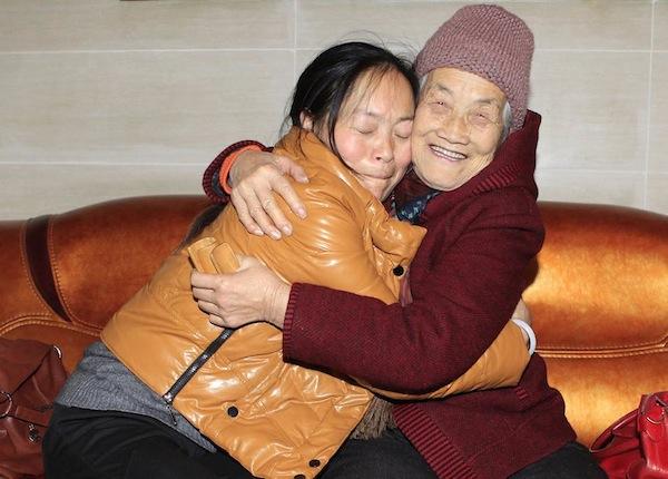 В Китае на Новый год в аренду берут не только женихов, но и матерей