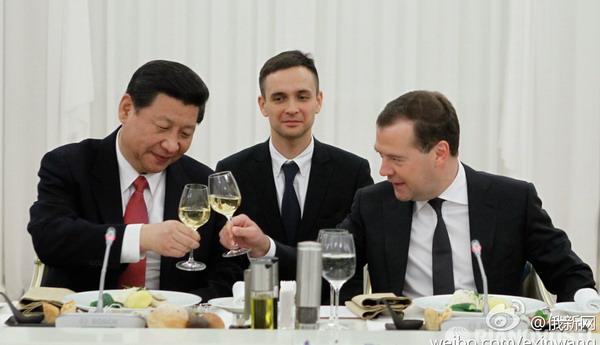 Си Цзиньпин и Медведев