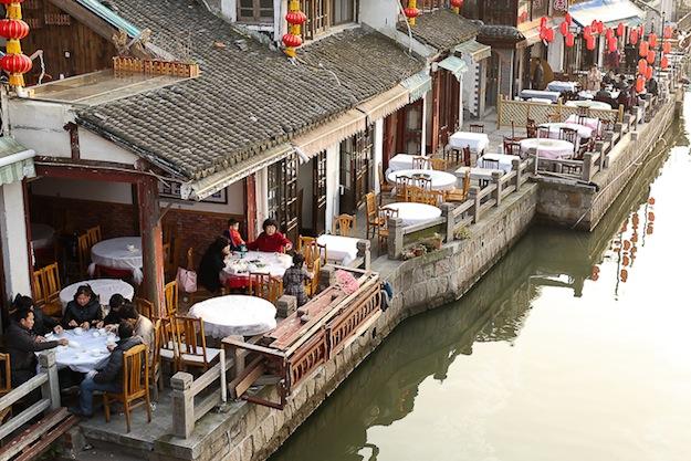 Чжуцзяцзяо, городок в 30 км от Шанхая,
