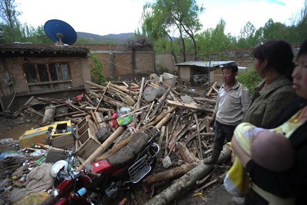 Почти 2 тысячи домов разрушены штормом в центральном Китае