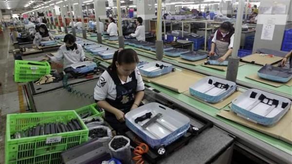 Производство чемоданов, Вэньчжоу.