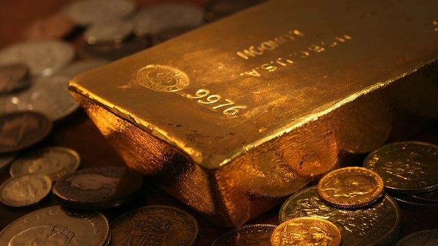 Шанхайский таксист вернул пассажиру забытую сумку с золотыми слитками на 1 млн. юаней