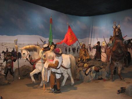 Монголы рвут подметки на скаку.