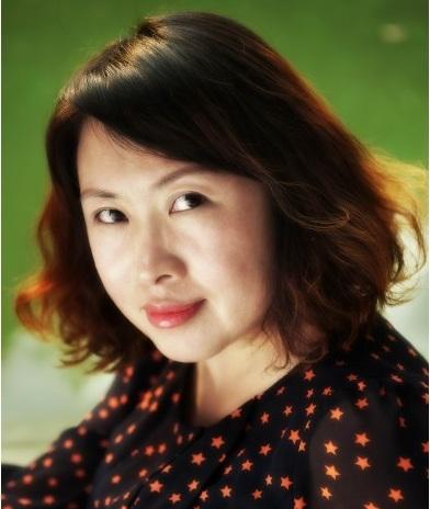 Дин Янь - китайская писательница / Магазета