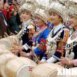 Девушки народности Мяо