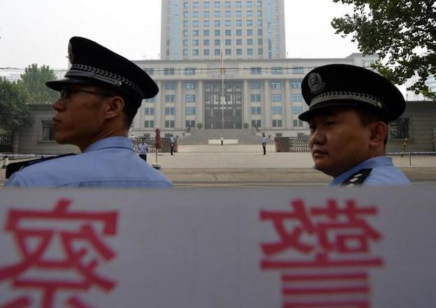 Более 500 китайских депутатов ушли в отставку из-за нечестных выборов
