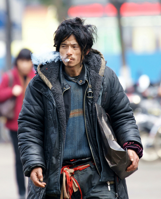 most-handsome-beggar-brother-sharp-ningbo-china-01