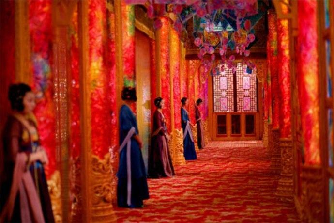 Кадр из фильма «Проклятие золотого цветка», 2006 г.