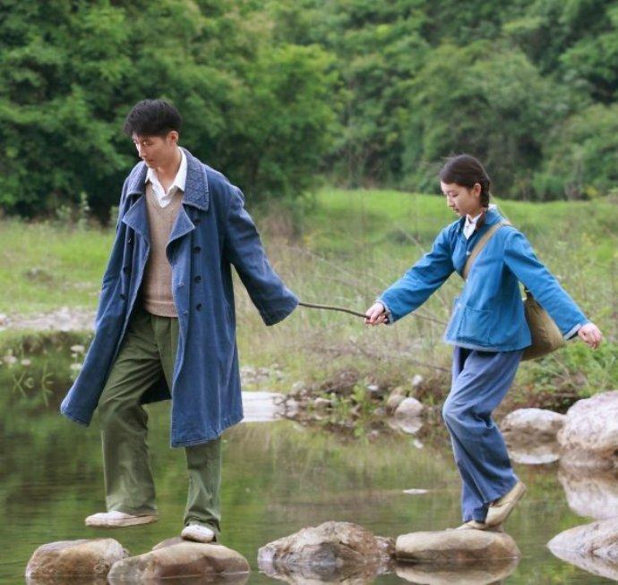 Кадр из фильма «Под ветвями боярышника», 2010 г.