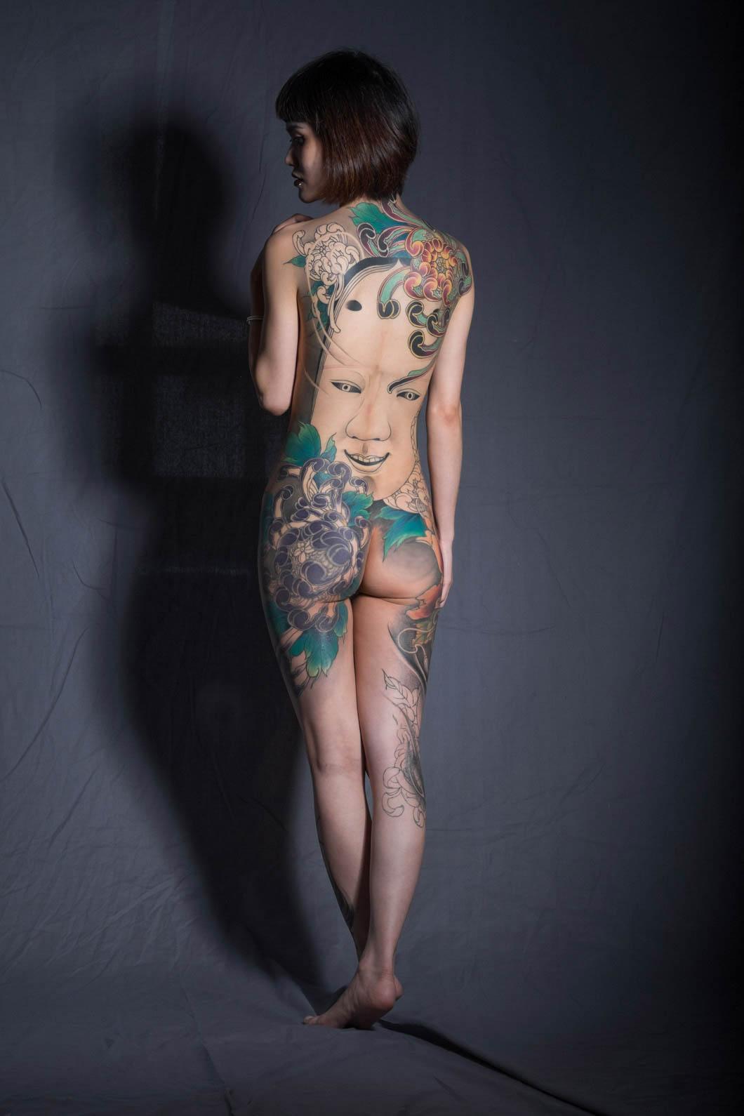 Tattoo-girls-23