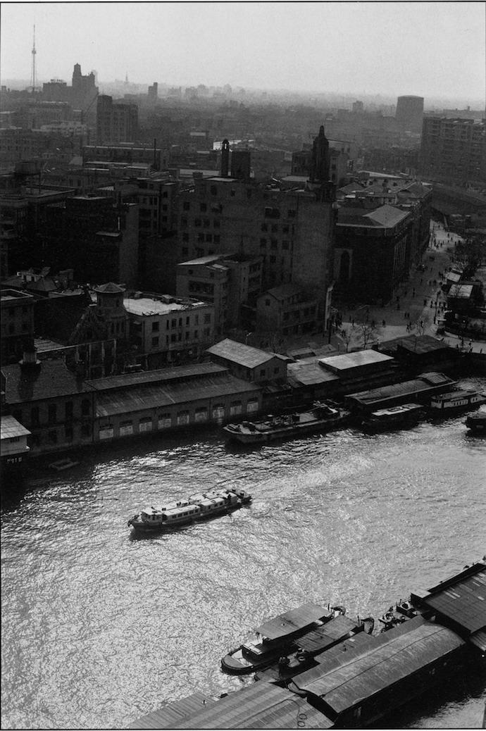 Вид на Сучжоуский канал из Shanghai Mansions в 90-е. Фото: Guo Bo