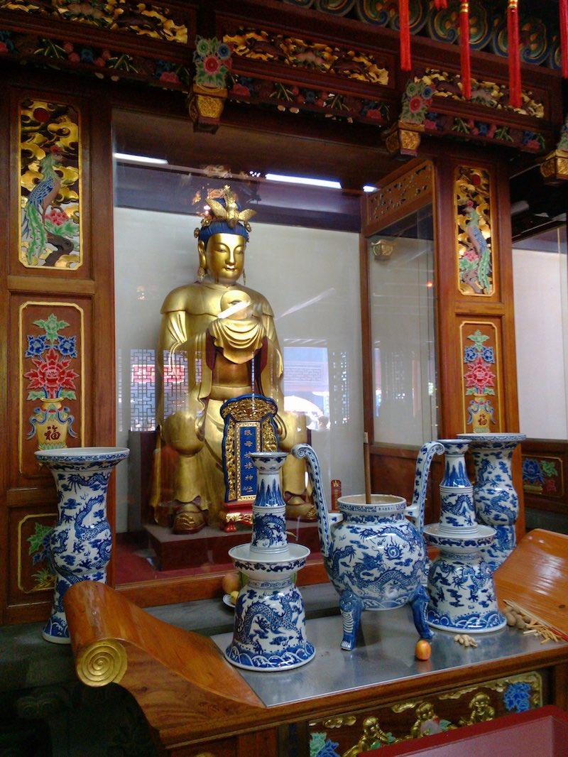 temple-of-the-city-god-sight-restoring-goddess-yanmuniang