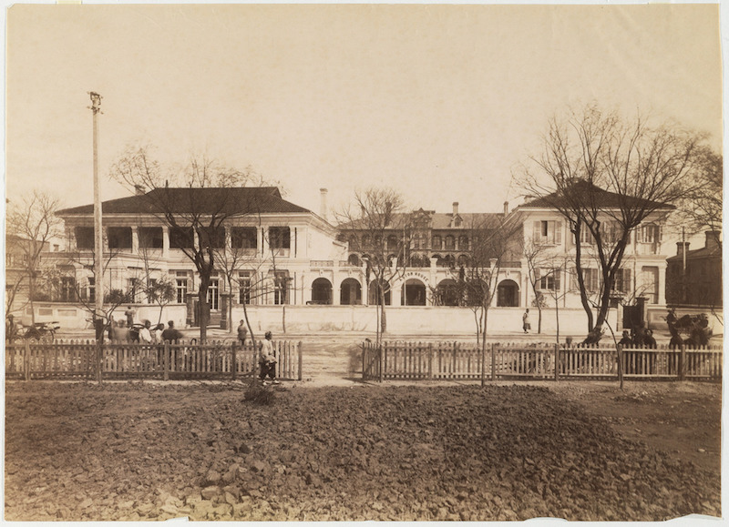 astor-house-original-bldg-as-richards-hotel-1850s-source-getty