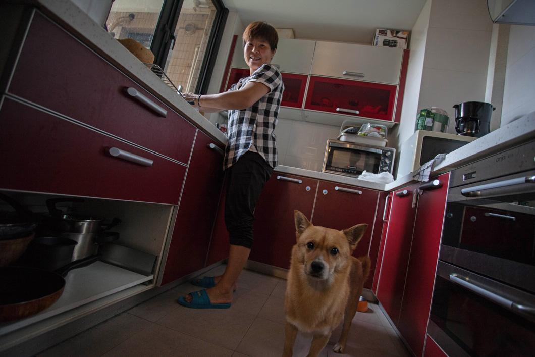 magazeta-professions-in-china-housemaid-9
