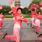 Площадные танцы (уличные танцы для пенсионеров) в Китае 广场舞