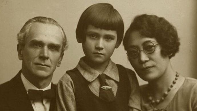 Японист Николай Невский, его жена Исоко Мантани-Невская и их дочь Елена