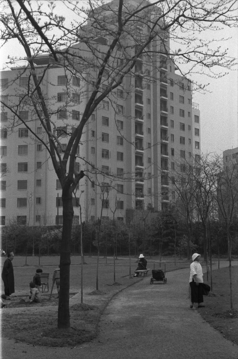 Парк рядом с домом, ныне парк Хэншань. Источник: Harrison Forman