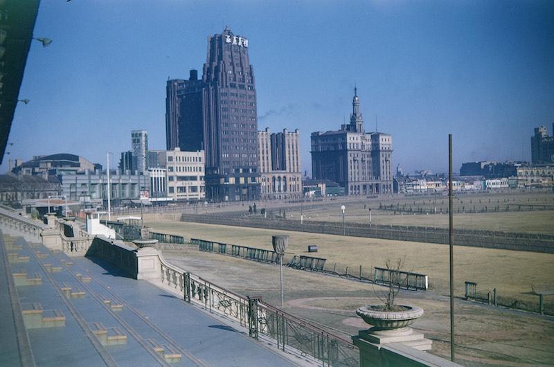 Полный архитектурный ансамбль на краю ипподрома в 1946 году. Источник: flickr Cities in Old Days