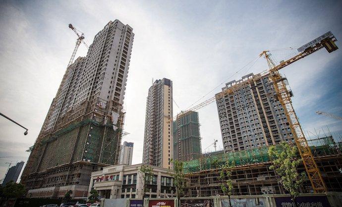 Многие китайские города похожи на бесконечную стройплощадку. Источник: Wall Street Journal