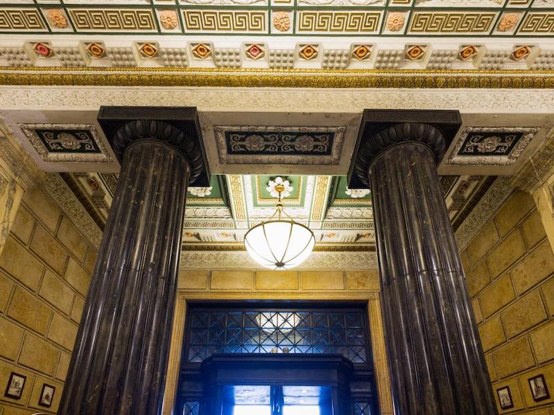 Фойе отеля. Источник: agoda.com