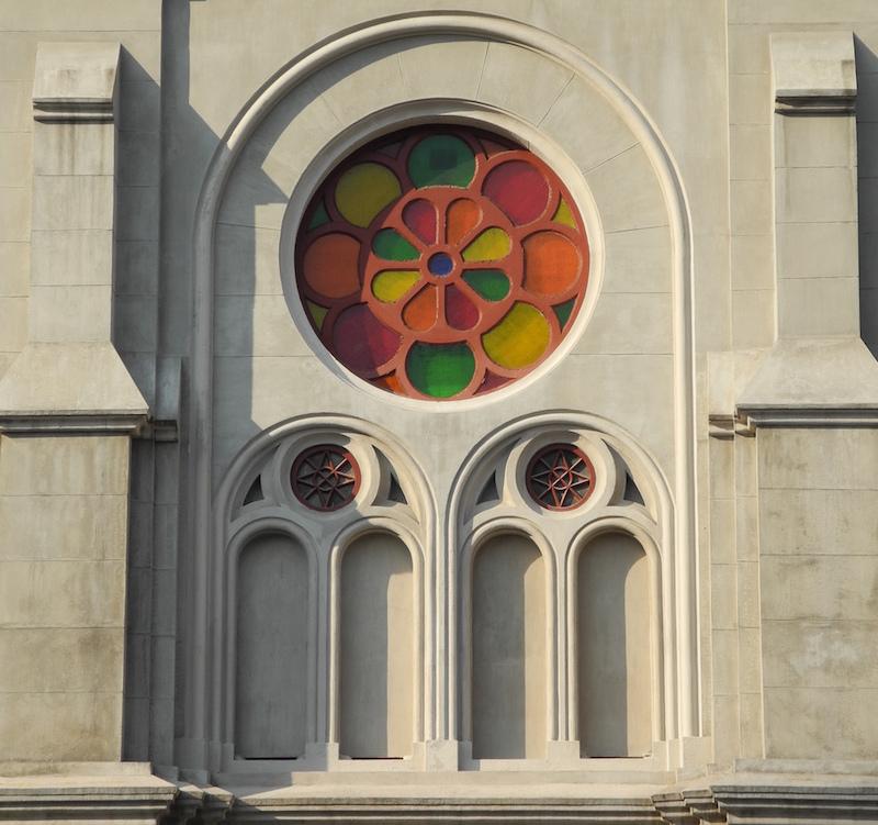 Восстановленная розетка на фасаде. Источник: Neil Noland
