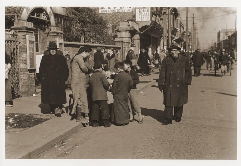 Жители шанхайского гетто. Источник: US Holocaust Memorial Museum