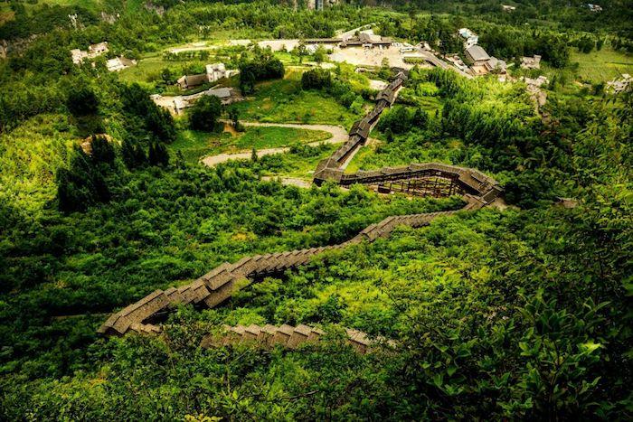 Самый длинный открытый эскалатор в мире - 688 метров. Источник: 叶子1961 / 360doc.com