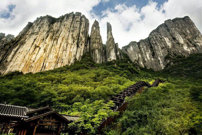 Самый длинный эскалатор. Источник: 叶子1961 / 360doc.com