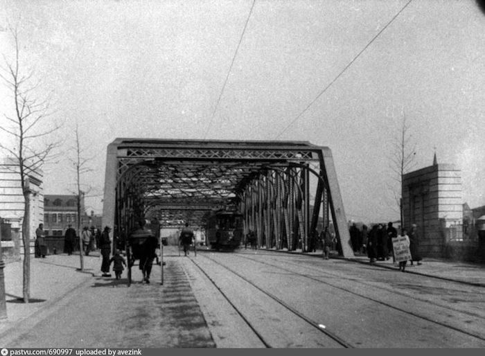 Садовый мост еще до постройки российского консульства в 1910 году. Источник: virtualshanghai.net