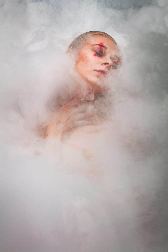 В смоге. Источник: Цинь Имо