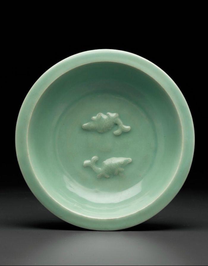 Нефритовый фарфор из Лунцюаня. Источник: pinterest.com