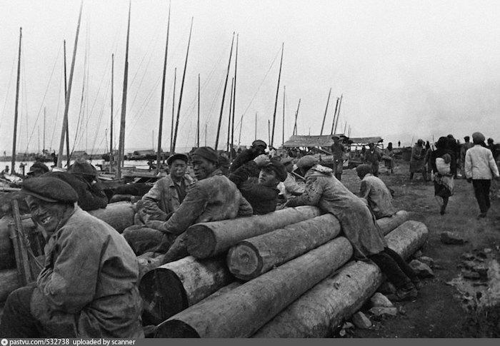 Китайцы на берегу Семеновского ковша в 1931 году. Источник: Михаил Пришвин / Государственный литературный музей