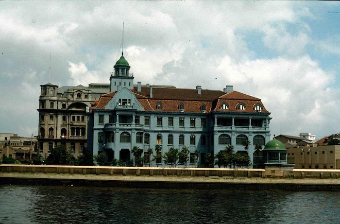 Здание консульства в 1987 году. Источник: virtualshanghai.net
