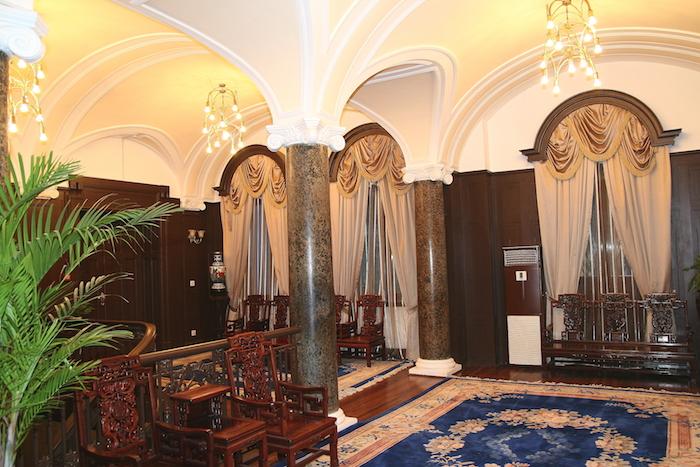 Интерьер консульства в 2009 году. Второй этаж. Фото автора
