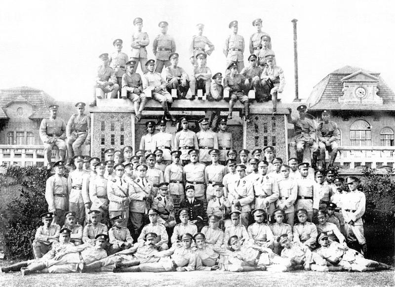 Русская рота вспомогательных агентов Французской полиции в 1933 году. Источник: В. Д. Жиганов Русские в Шанхае