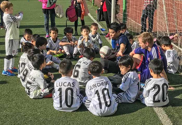 Фан Вэньфэй - основатель футбольной школы