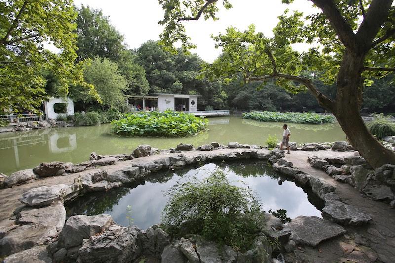 Китайский пруд в наши дни. Источник: lvmama.com