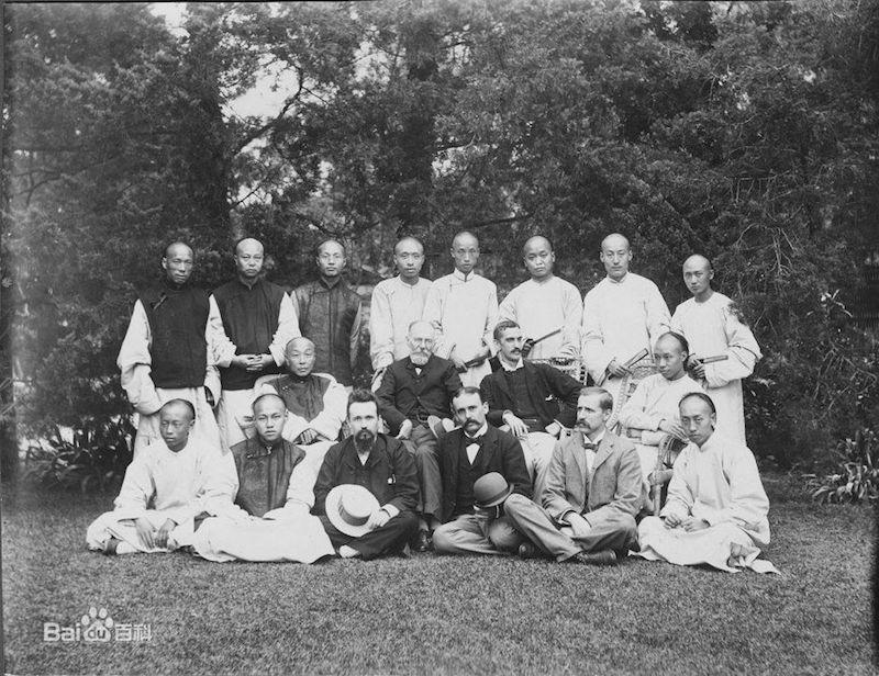 Преподавательский состав в 1897 году. Источник: baidu.com