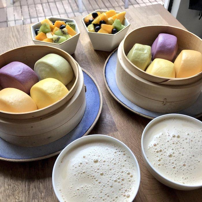 Идеальный китайский завтрак - маньтоу и соевое молоко. Источник: twitter.com/symmetry_fast