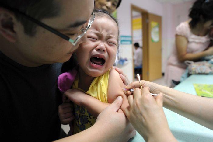 Байбайпо - комбинированная вакцина от трех серьезных инфекционных заболеваний. Как минимум 210 000 детей не приобрели иммунитет к столбняку, дифтирии и . Источник: www.abc.net.au