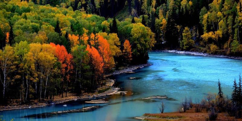 Озеро Канас осенью. Источник: m.xjgoo.com